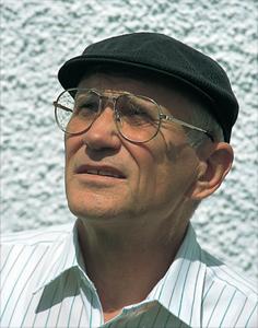<a target=`_blank` href=`http://drytooling.com.pl/baza/1/ludzie/1569-pit-schubert` title=`P. Schubert urodził się w 1935 roku we Wrocławiu. Był przewodniczącym Komisji Bezpieczeństwa DAV od jej powstania do końca 2000 roku. Ekstremalny wspinacz i alpinista.` class=`redlinker`>Pit Schubert</a>