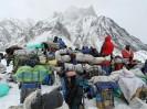 Gasherbrum I (8068 m) zimą – karawana