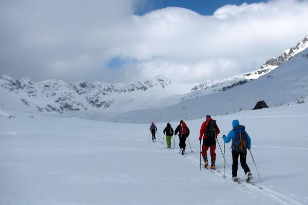 f556dd55fbd0e Plecak ok. 35 litrów jest w sam raz aby podejść do schroniska, a później  robić jednodniowe wypady w teren np. na skitury. Fot.